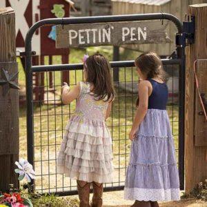 Alpharetta-Childrens-Party-Venue-Animal-Interraction